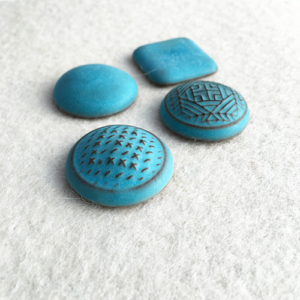 tyrkys-cabochons